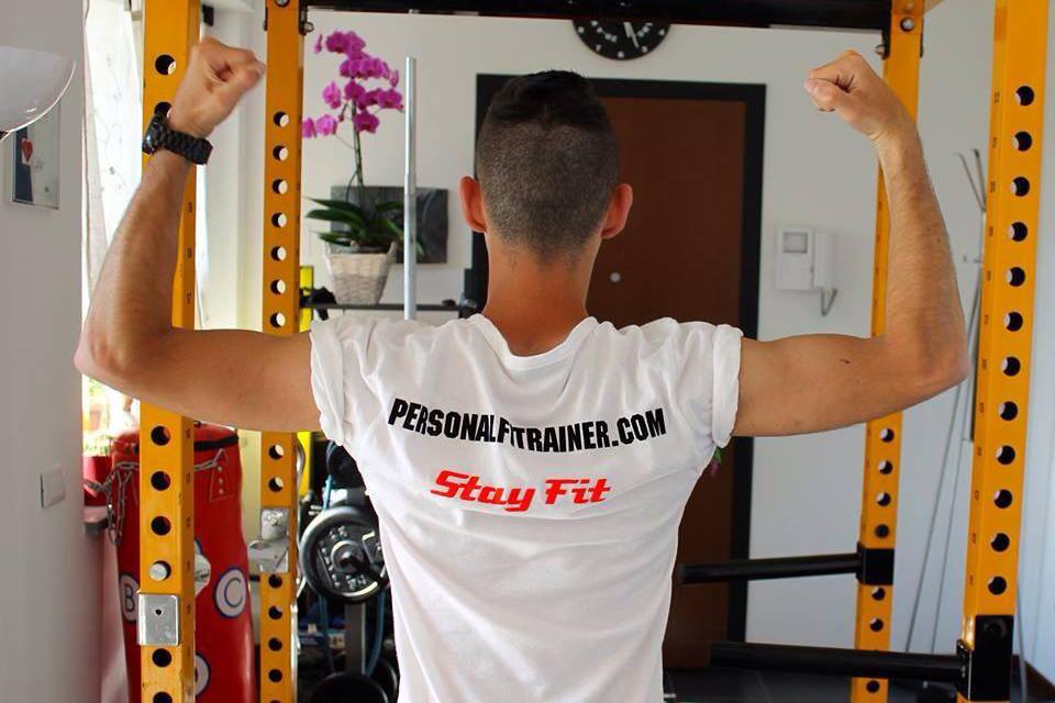 merchandising stayfit: la tshirt personalizzata personalfitrainer milano
