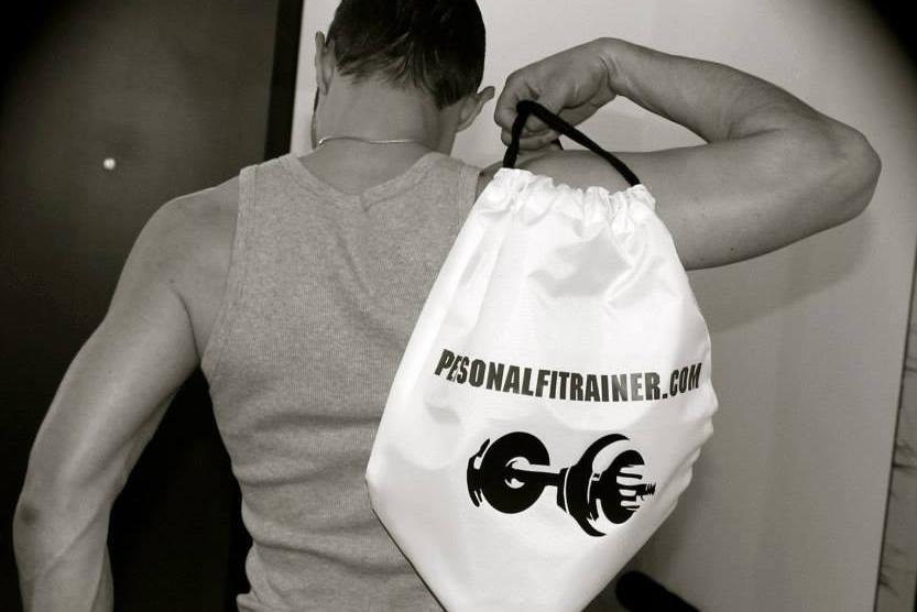 merchandising stayfit: la bag personalizzata personalfitrainer di ivan lo cicero personal trainer